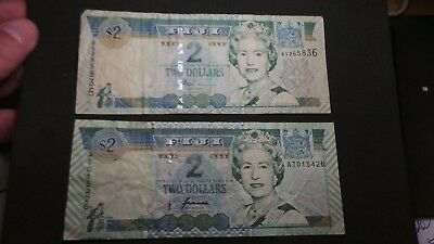 Fiji, 2 x matching, 2 Dollars Banknotes. Serial # layout & signatures, different