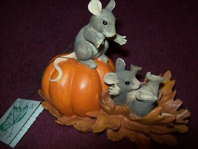 "Charming Tails DEAN GRIFF ""PUMPKIN SLIDE"" Figurine SIGNED 1995 - Excellent Cond."