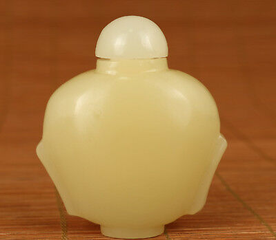 Good Chinese Old Natural Jade Handmade Carved Statue Snuff Bottle