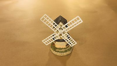 1985 Windmill by David Winter Hand Made and Painted in Great Britain John Hine