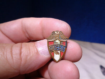Vintage WW II  **Keep U.S. Out Of War**  Pin