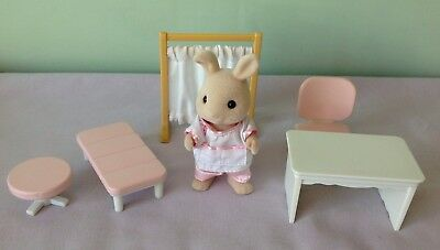 Sylvanian Families Replacement Clinic Nurse Figure With Desk Chair Bed Screen