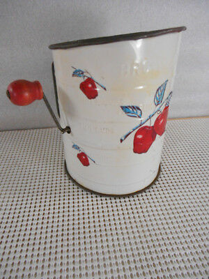 Vintage BROMWELL 3 Cup Flour Sifter RED APPLES Farm House Kitchen Wood Handle