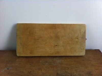 LOVELY ANTIQUE SYCAMORE CHOPPING / BREAD BOARD 15.8 by 7.5 inches