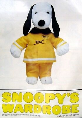 """Vintage 1979 Peanuts SNOOPY FIREMAN OUTFIT #4949 for 18"""" PLUSH w/ BROCHURE"""
