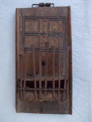 249 / African Early 20Th Century Hand Made And Hand Carved Thumb Piano