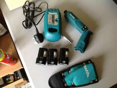 MAKITA TD020D CORDLESS IMPACT DRIVER WITH 3 x BATTERIES CHARGER HOLDER AND CASE