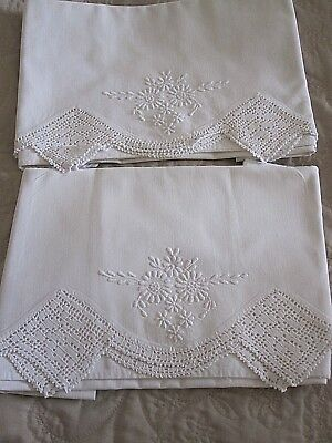 Lovely Vintage Pair Of White Embroidered & Hand Crochet Lace Pillowcases