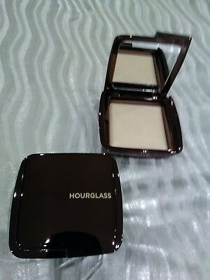 Poudre Lumiere Diffused Light De Hourglass 10G
