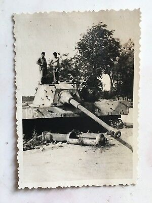 original WWII PHOTO OF WRECKED GERMAN TANK #2