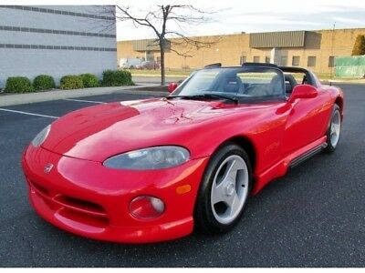 Viper RT/10 1993 Dodge Viper RT/10 Red Low Miles Early Production Rare Collectible Stunning