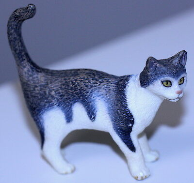 "SCHLEICH STANDING HOUSE CAT D73527 RETIRED GRAY WHITE FIGURE 2.5"" FIGURINE toy"