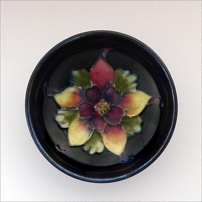 Small Moorcroft Columbine / Aquilegia footed bowl  stamped on base / pin dish