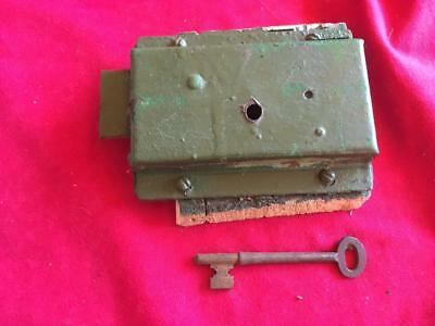 VINTAGE / ANTIQUE VICTORIAN DOOR RIM LOCK with 1 KEY (stock ref JT117)