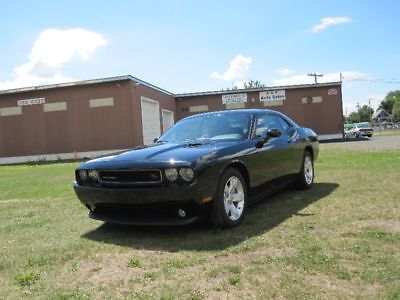 2012 Dodge Challenger R/T 2012 DODGE CHALLENGER R/T HEMI V8 5.7L W/ 6 SPEED MANUAL & ONLY 33K