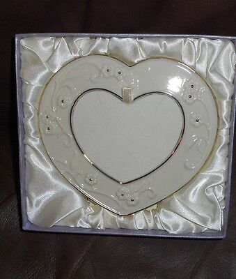 Lenox Heart Shaped Free Standing Picture Frame Never Used 1298
