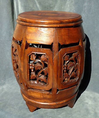 CINA (China): Very fine and old Chinese carved wood drum stool