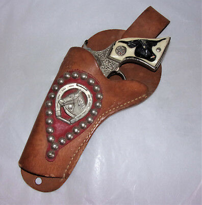 VINTAGE HUBLEY TEXAN JR  TOY CAP GUN & SADDLE KING of TEXAS HOLSTER