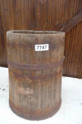 7747. Altes Holzfass Fass Holzbehälter Old wooden barrel