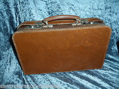 23993 Alter Koffer Leinen vintage children´s case linnen braun brown GELO sign.