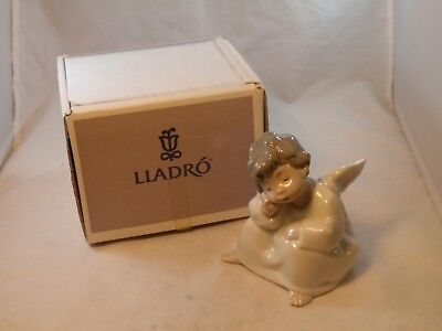 Lladro Figurine Thinking Angel 4539 - Excellent Condition IN BOX WITH PRICE TAG