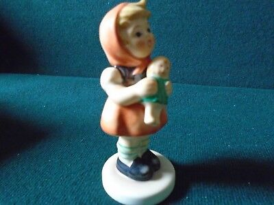 Hummel figure 'Girl with doll' (boxed)