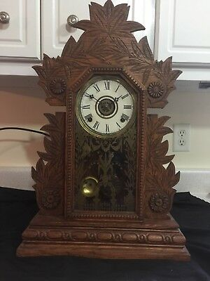 Vintage Wm. L. Gilbert Laurel Golden Oak Kitchen / Parlor Clock Working