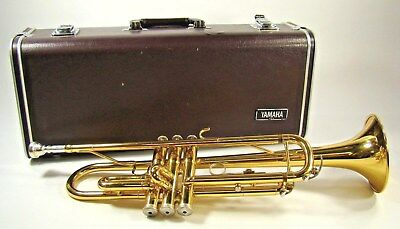 Yamaha Trumpet ~ Ytr 2335 ~ With Mouthpiece And Hard  Case