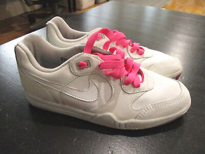 the latest bcb85 7c648 VINTAGE Nike Air Challenge Court Shoes Womens 7.5 White Pink Agassi Dead  Stock