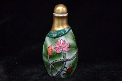 Chinese antique Vintage Old Porcelain carve lotus leaf delicate Snuff Bottle