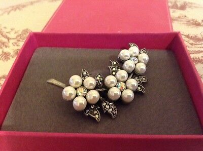 Bridal/mother Of The Bride Flower Design Faux Pearl Brooch - Boxed