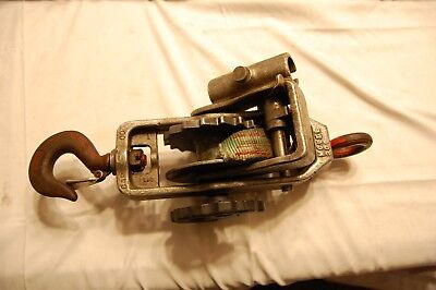 Little Mule Model 300 Strap Hoist (Needs new Strap)