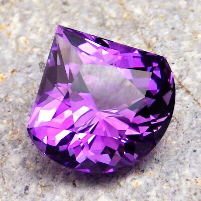 AMETHYST-BRAZIL 12.62Ct FLAWLESS-NATURAL COLOR-ABSOLUTELY AMAZING CUT-VIDEO!