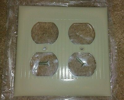 NOS Vintage Mid Century RIBBED Double Outlet Plug End Plate Cover with Lines