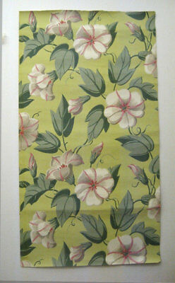 Charming Antique 1930's French Floral Wallpaper (9448)