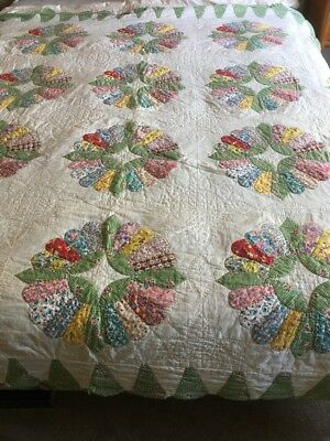 Vintage 30's 40's Dresden Plate Quilt hand quilted stitched And Reversible