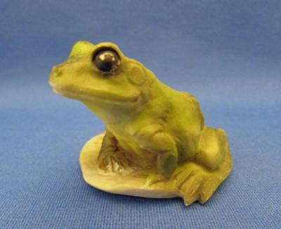 Vintage Castagna Frog On Lilly Pad Figurine - Italy 1988