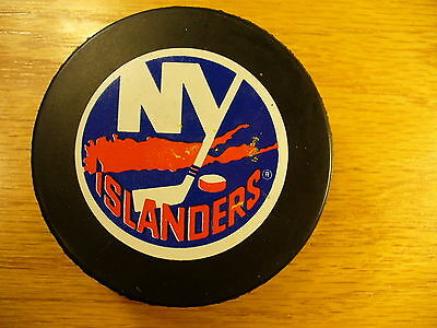 NHL New York Islanders Stein Logo Official Game Hockey Puck Check My Other Pucks