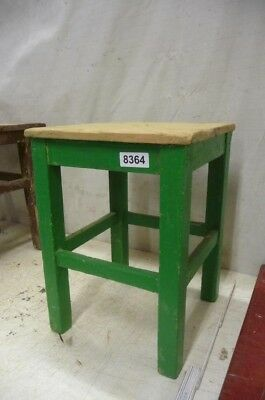 8364. Alter Hocker Schemel Old wooden chair