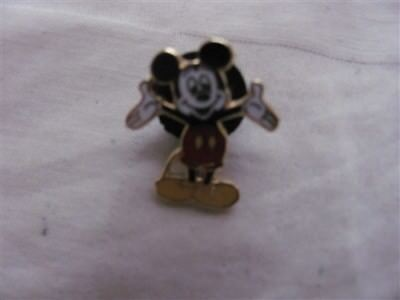 Disney Trading Pins  369 Tiny Mickey (about 3/4 inches tall)
