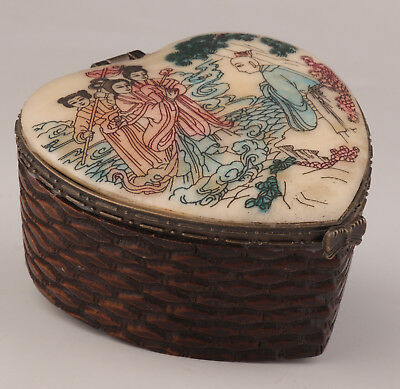 Old Cattle Bone Carvings Were Hand-Painted Heart-Shaped Jewelry Box Guanyin