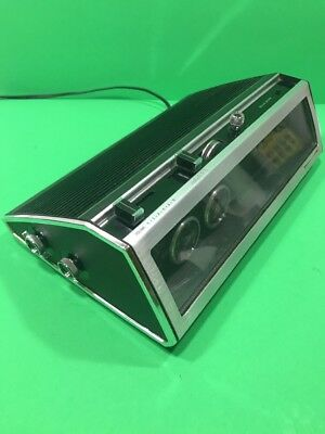 Panasonic RC-7589 FM-AM Flip Clock Radio - Has Issues Works Great See Details