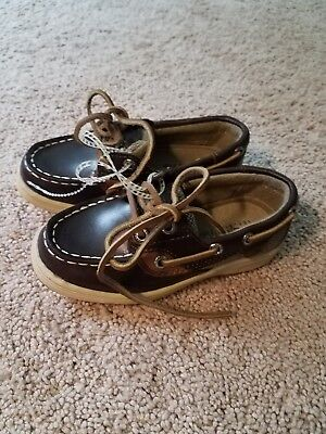 NWTs SPERRY Toddler Boy Size 9-Cute and Stylish
