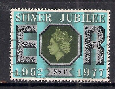 GB 1977 QE2 8 1/2p Silver Jubilee Used Stamp SG 1033. ( K675 )