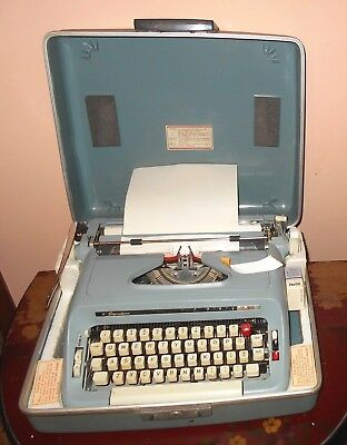 Vtg Montgomery Ward Blue Signature 511 Portable Typewriter In Case - Works Great