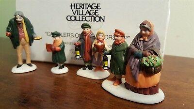 Dept 56 Dickens Village 1990 Accessory 4 Piece - CAROLERS ON THE DOORSTEP 55700