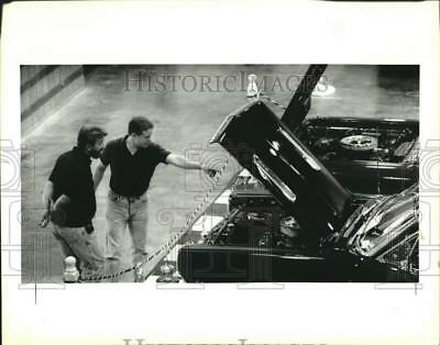 1992 Press Photo Ron Watson & Phil Saitta at the Rod and Custom Car Show