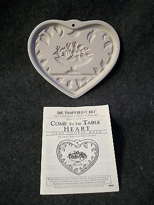Pampered Chef Come To The Table Heart Clay Cookie Mold