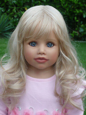 Masterpiece Dolls Lindy Blonde Wig Fits up to 18 Inch Head