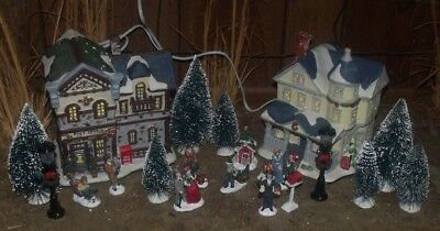 christmas village lighted house post office trees people street lamps set lot 20